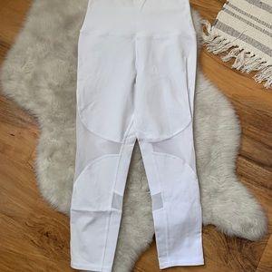 "Alo Yoga White 21"" cropped leggings size small"